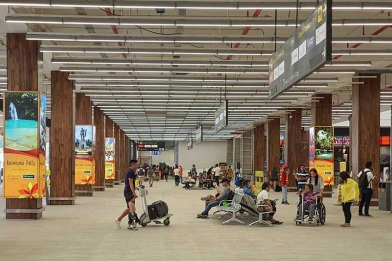 MORE ARRIVALS. The Mactan-Cebu International Airport (MCIA) is the country's second busiest air hub. Its private operator GMR Megawide Cebu Airport Corp. expects more tourists will fly to Cebu with MCIA's upgraded  domestic and award-winning international terminals. (Sunstar file photo)