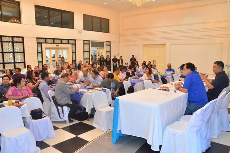 """Iloilo Governor Arthur Defensor, Jr. called for a meeting with the municipal mayors, national government agencies, and non-government organizations for the campaign of """"Limyo Iloilo"""" on Tuesday, January 14, 2020, at the Casa Real. (Capitol PIO)"""