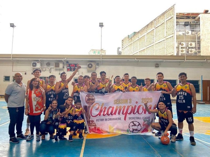 CHAMPION.  Members and supporters of SMCCO celebrate after winning the title over the Cardinals. (Contributed photo)