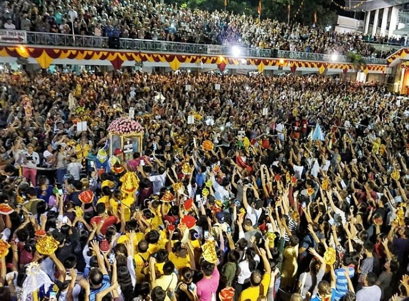 CEBU. An estimated 300,000 devotees joined the Walk with Mary procession in Cebu City early Friday Morning, January 17, 2020. (Photo by Alex Badayos)