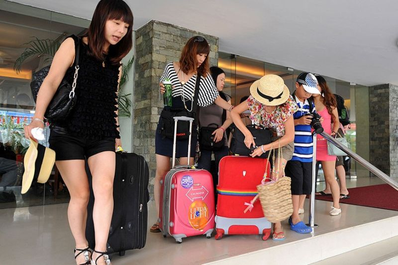 GROWING IN NUMBERS. Consular attache Jiang Wen of the Consulate General of the People's Republic of China in Cebu says tourists from mainland China are expected to continue to flock to Cebu, given the several direct routes available from Cebu to several Chinese cities. (SunStar File Photo)