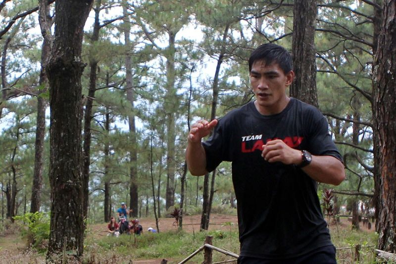 BAGUIO. In this SSB file Photo former One Championship lightweight world champion Eduard Folayang trains in Baguio City. ONE recently announced Folayang will take on Pieter Buist in ONE's Fire and Fury set at the Mall of Asia Arena on January 31. (SSB File Photo)