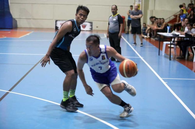 LEADER. Junas Misa had 10 points in leading Accenture over Convergys in Game 1 of the semifinals. (CONTRIBUTED FOTO)