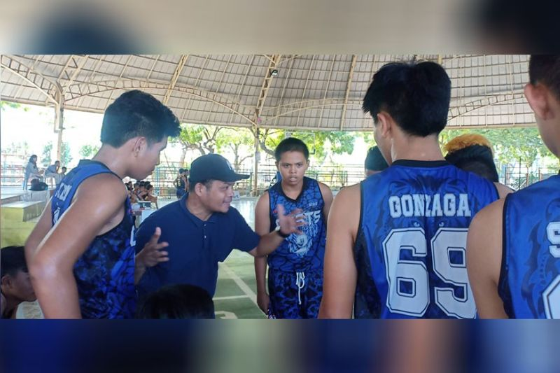 TAGOLOAN. The Opol Dolphins were told by their coach after lagging behind by more than 20 points at the half against the MOGCHS Cavaliers on Sunday's semifinal round of the Chooks-To-Go SM NBTC MisOr Qualifier at the Tagoloan Dome. (Lynde Salgados)