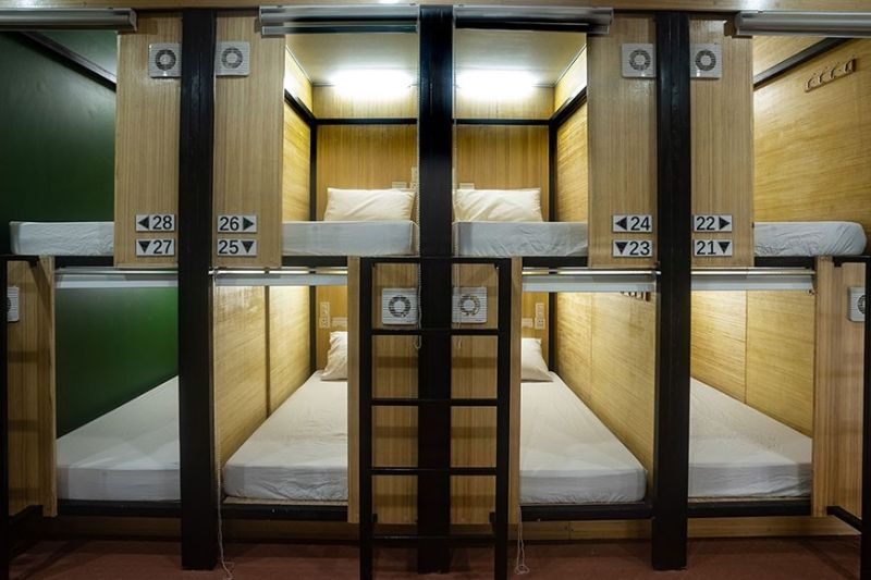 FOR ON-THE-GO TRAVELERS. Located near Cebu's two business districts, the 28-private Chiasti Capsule Hostel aims to cater to backpackers, who seek for cheaper accommodation. Each capsule at the hostel is equipped with a bed light, charging dock, cellphone/ tablet holder, hooks and hanger. (Contributed Photo)