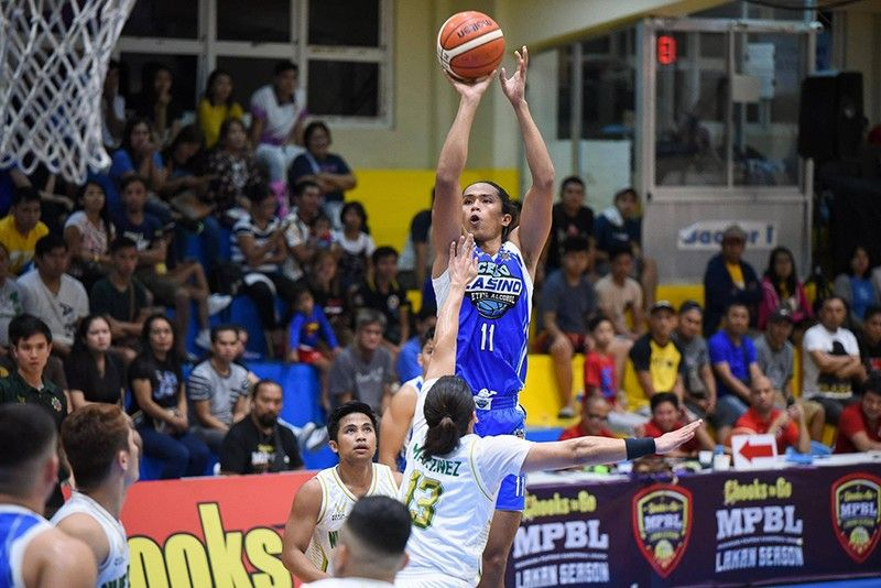GETTING NEAR. Rhaffy Octobre leads the Cebu-Casino Ethyl Alcohol with 22 points over Nueva Ecija in the Chooks-to-Go MPBL Lakan Season.   (Contributed Photo)
