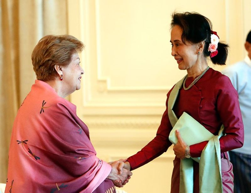 MYANMAR. Myanmar's leader Aung San Suu Kyi (right) shakes hands with Philippine diplomat Rosario Manalo, a member of the Independent Commission of Enquiry for Rakhine State, at the Presidential Palace in Naypyitaw, Myanmar, Monday, January 20, 2020. (AP)