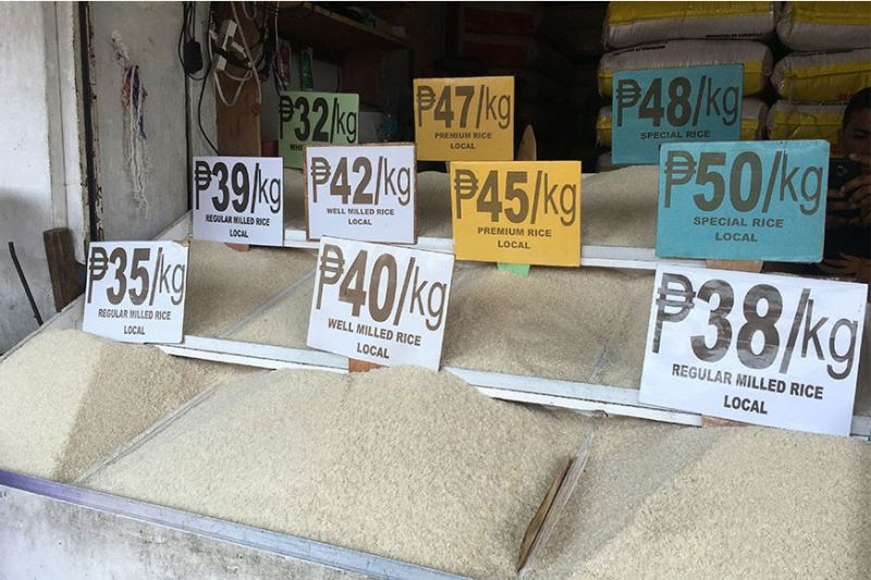 DAVAO. Retail prices of rice in Bankerohan Public Market. (Photo by Roberto A. Gumba Jr.)