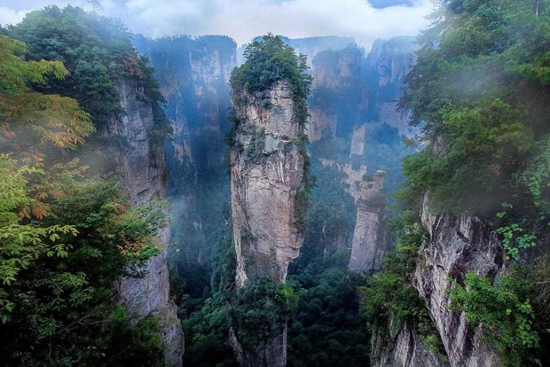 THE AVATAR HALLELUJAH MOUNTAIN. Known as the Southern Sky Column once upon a time, the mountain is a vertical quartz-sandstone pillar all of 1,080 meters high. (Photo by Nelia G. Neri)