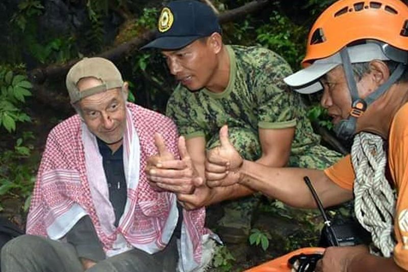 BENGUET. French national Jacques Francioly is checked by rescuers in Barlig, Mountain Province after wondering for several days. Francioly is currently being checked at the Luis Hora Memorial Regional Hospital in Abatan, Bauko for further medication. (Barlig MPS photo)