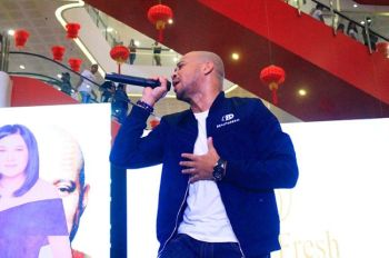 CAGAYAN DE ORO. Former South Border vocalist Luke Mejares remains an icon as can be gleaned from the crowd's reaction during the Philippine celebrities' weekend show at SM Premier Downtown of Cagayan de Oro City. (Joan Sablad)