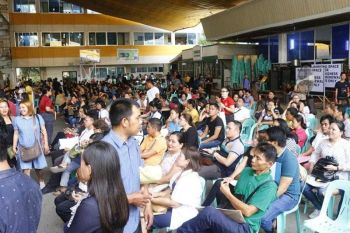 Business owners continue to flock the City Hall grounds to pay for taxes. The finance department said it has collected a total of P607.4 million from January 1 to 20, 2020. (Photo courtesy of CIO)