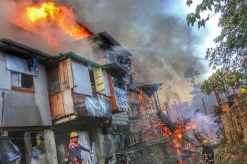 CEBU. An estimated P500,000 worth of properties were destroyed when a mid-afternoon fire broke out at a residential area in Sitio Panagdait, Barangay Kasambagan, Cebu City on Sunday, January 26, 2020. (Photos by Amper Campaña)