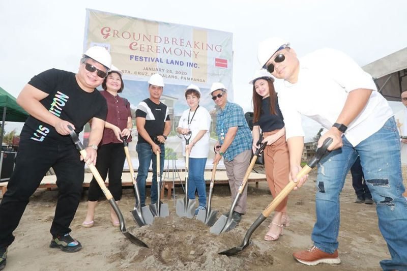PAMPANGA. Festival Land Inc. owners and Associates Alekhine S. Guzman (R) and Odilon Lacson (L) led Saturday's groundbreaking ceremony of FLI's new subdivision project in Barangay Sta. Cruz, Magalang, Pampanga. Joining them were (L-R) Yalda Ocampo, China Bank Marquee; Barangay Chairman Junnel Malonzo; Josephine Reyes, Pag-Ibig San Fernando; Mark Gosioco, BDO Magalang Branch; and Tracy Quiambao, BPI Family Bank Housing Loan. (Chris Navarro)