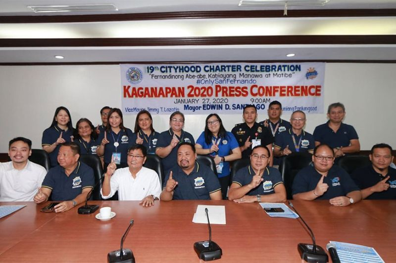 PAMPANGA. City of San Fernando Mayor Edwin D. Santiago, Executive Committee Chairman Architect Hermel Gulapa, Councilor BJ Lagman and members of the execom flash the Fernandino First sign during Monday's (January 27) press conference for the 19th cityhood celebration or Kaganapan 2020. (Chris Navarro)