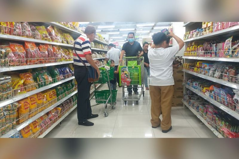 BACOLOD. The Philippine Statistics Authority in Negros Occidental says with P100 in 2012, Negrenses can only buy P80 worth of goods today. (Erwin Nicavera)
