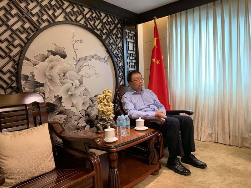 STUDY, RECONSIDER. The Chinese Consulate in Cebu has asked local chief executives to study more and to reconsider any plans on banning Chinese tourists in Cebu. (Photo by Herty Lopez)