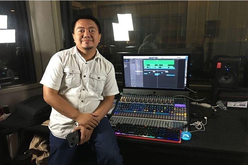 DAVAO. Si Jeremy Sarmiento sud sa technical booth sa iyang recording studio sa Damosa, Lanang, Davao City. Roberto A. Gumba Jr.