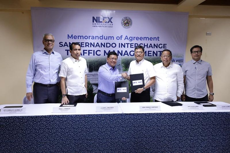 SAN FERNANDO, PAMPANGA. A signing of the Memorandum of Agreement for the San Fernando Interchange Traffic Management Plan, led by City Mayor Edwin 'EdSa' Santiago and NLEx Corporation President and General Manager J. Luigi Bautista, was held on January 30, 2020 at Heroes Hall.(Contributed photo)