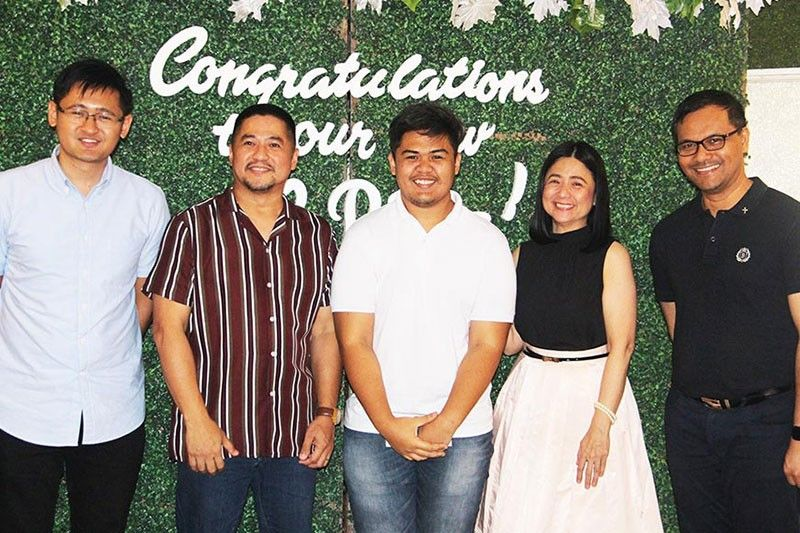 GUAGUA, PAMPANGA. MQCPI CPA board topnotcher Gil M. Enriquez in posterity with MQCPI Board of Trustees (L-R) Jose Paolo D. Carlos, Reynaldo S. David, Yolanda David-Aguila and Bro. Harold Espeleta during the recent thanksgiving luncheon of the new 13 CPAs at the MQCPI Function Hall in Guagua town. (Contributed photo)