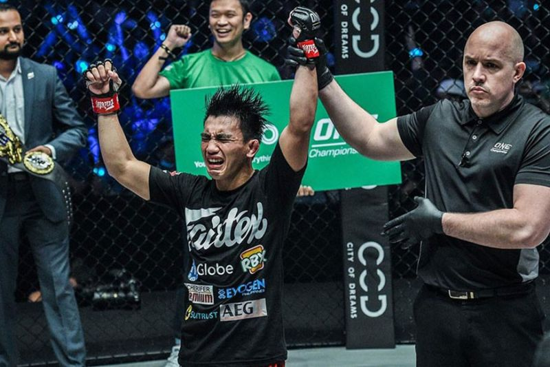 HISTORY MAKER. Joshua Pacio makes history in One Championship after becoming the first fighter to defend the ONE strawweight world title twice by winning against every other fighter who has held the title. (ONE photo)