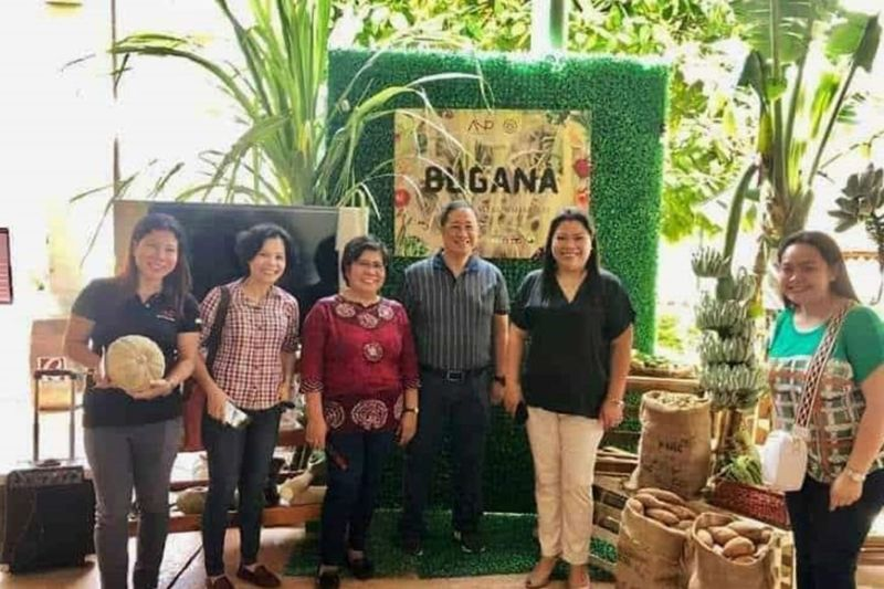 "BACOLOD. ANP Board of Trustees led by president Arlene Infante (second from left) during the opening ang blessing of ""Bugana a Weekend Harvest"" at Robinsons Place Bacolod recently. (Contributed Photo)"