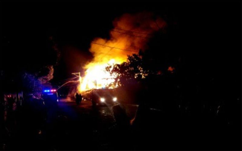 PANGASINAN. A fire hits an inn on Mabini Street, San Carlos City, Pangasinan on Sunday dawn, February 2, 2020. (Photo by Jerick Pasiliao/via PNA)