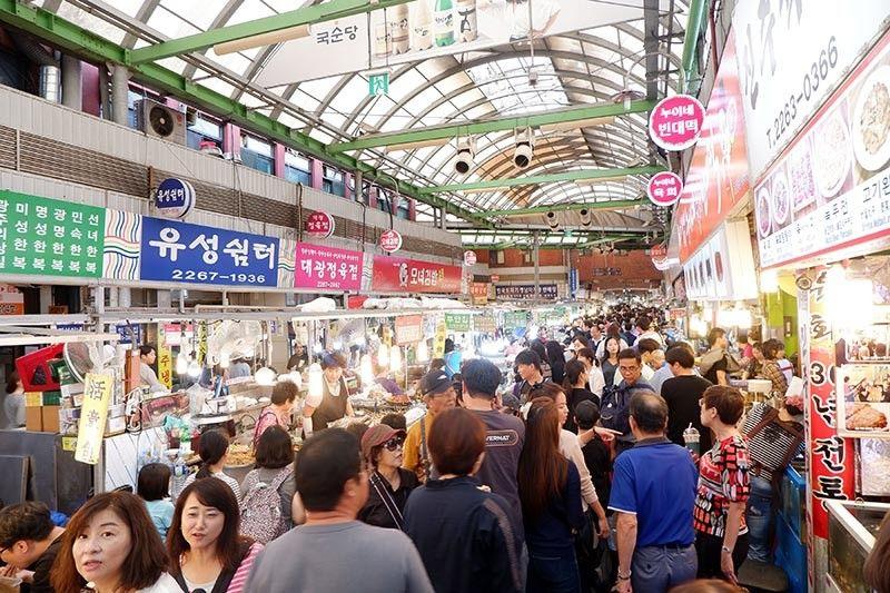 SOUTH KOREA. Gwangjang Market in Dongdaemun. (Jinggoy I. Salvador)