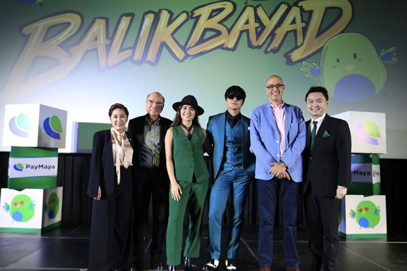 """MANILA. Through the launch of its new """"BalikBayad"""" campaign, PayMaya is encouraging more Filipinos to experience the convenience, safety, and rewards of going cashless through the help of iconic young actors Kathryn Bernardo and Daniel Padilla. Joining them at the official launch of the campaign were PayMaya founder and CEO Orlando B. Vea (2nd from left), president Shailesh Baidwan (2nd from right), head of Marketing and Growth Mark Jason Dee (rightmost) and head of Brand and Marketing Services Heidi Garayblas (leftmost). Contributed photo"""