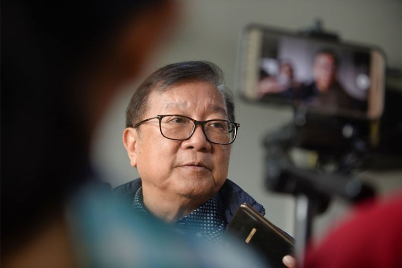 ILOILO. Aklan Governor Florencio Miraflores speaking to the members of the local media during the February 6, 2020, joint meeting of the Regional Development Council (RDC) VI and Regional Peace and Order Council (RPOC) VI at the Regional Development Council, Neda Region 6 Office, Fort San Pedro, Iloilo City. (Contributed photo)