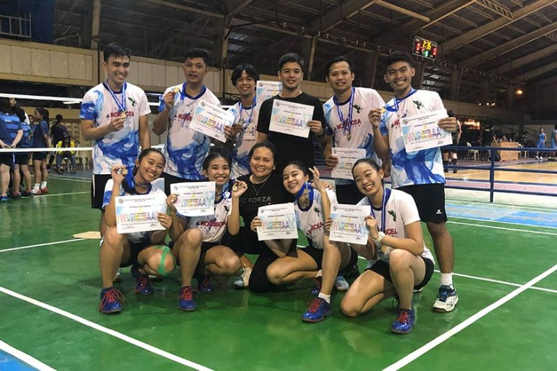 BACOLOD. Nopsscea badminton team in posterity after a successful performance in the 2020 WVPRISAA. (Carlos Hojilla Photo)