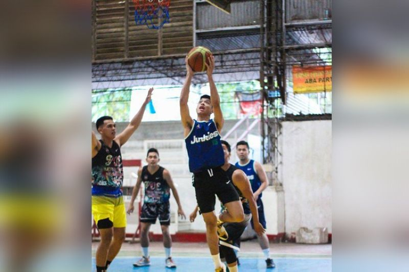 Junkies guard Ryzel Abatayo scores a layup in their game in the CABL. (Contributed photo)