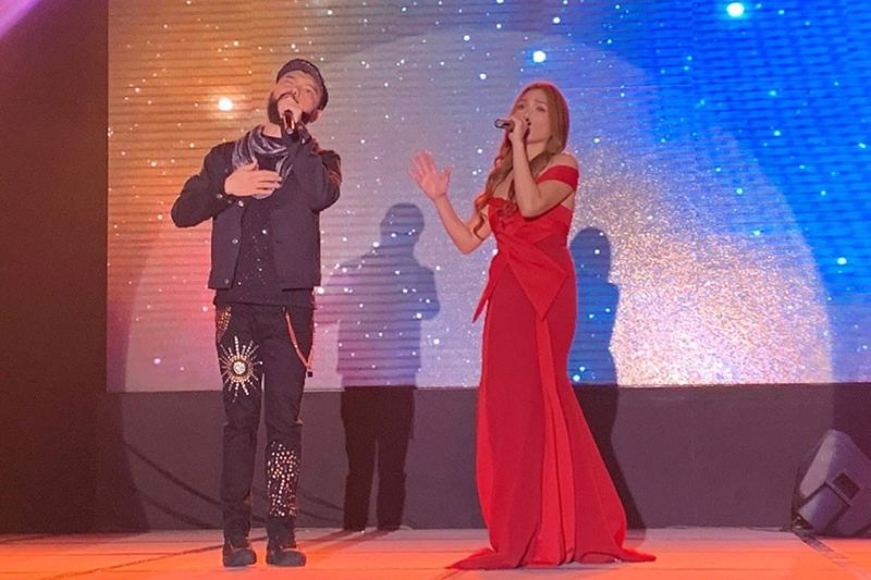 """BACOLOD. Great Filipino artists Wency Cornejo and Nina in their recent concert dubbed as """"Nina Live"""" held at SMX Convention Center, SM Bacolod City on February 7, 2020. (Photo by Carla N. Cañet)"""