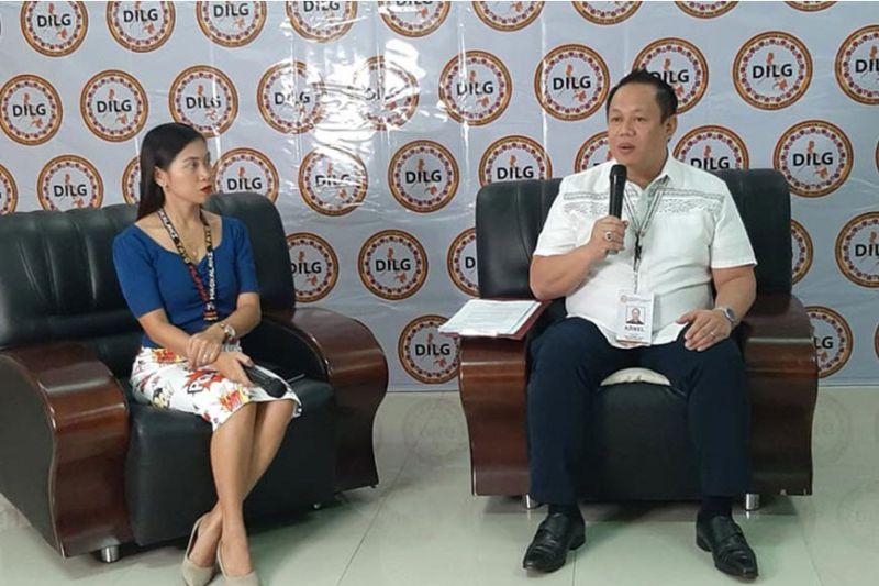 CAGAYAN DE ORO. Si DILG-Northern Mindanao Director Arnel Agabe mibutyag nga tulo ka mga lungsod sa Northern Mindanao ang wala nakatuman sa mandato ni Presidente Rodrigo Duterte sa road clearing ang gikasohan og administrabo. (Stephanie Berganio)