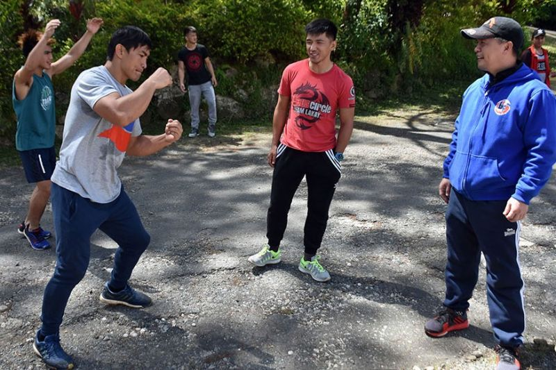 BAGUIO. Team Lakay head coach Mark Sangiao supervises the training of his ward in this December 2019 file photo. Sangiao was recently appointed as the regional governor of the Samahang Kickboxing ng Pilipinas (SKP) for Northern Luzon and Cordillera Administrative Region. (Photo by Redjie Melvic Cawis)