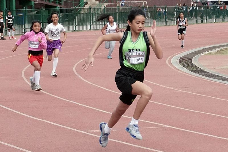 BAGUIO. Students compete in the athletics event during the Association of Baguio – Benguet Christian Schools sports fest during the weekend at the Baguio Athletic Bowl. The city is gearing up for the upcoming Caraa meet which was moved to March 24 – 28 due to health security reasons. (Photo by Roderick Osis)