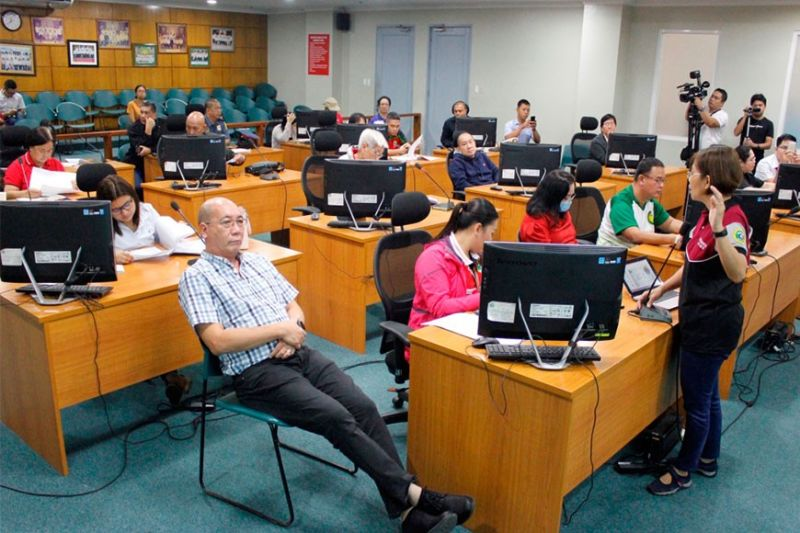 BACOLOD. The BacolodCity Inter-Agency Task Force Against the Novel Coronavirus (nCoV), chaired byVice Mayor El Cid Familiaran holds its regular meeting at the Bacolod CityGovernment Center Monday, February 10, 2020. (Contributed photo)
