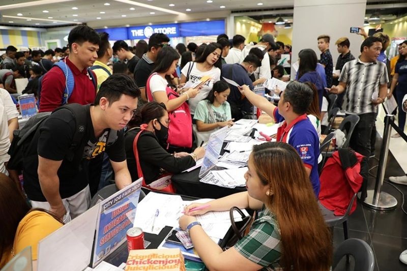 PAMPANGA. More than 500 jobseekers in the City of San Fernando and other neighboring towns flocked to the job fair held on February 8, 2020 at SM City San Fernando Downtown. (Contributed photo)
