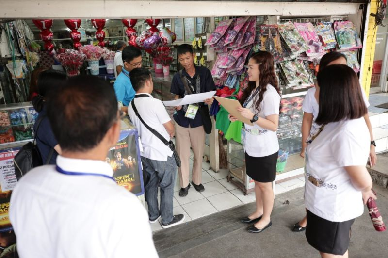 PAMPANGA. Mila D. Rivera, Market Supervisor II of the City Market Operations Division, and DTI Pampanga led by Nathaniel M. Samson, division chief of Consumer Protection, inspected prices of medical supplies in various drugstores around the Poblacion area on February 10, 2020. (City of San Fernando CIO)