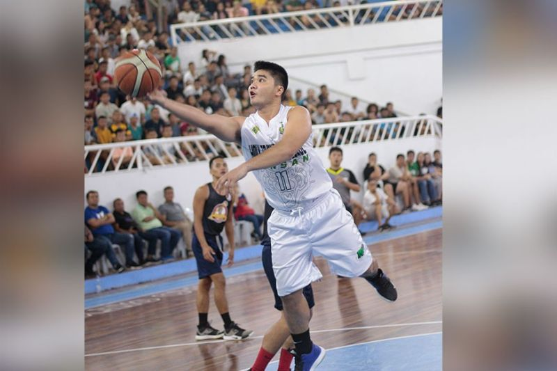 DAVAO. File photo shows a Holy Trinity College of General Santos City player driving to the basket during the championship match of the Philippine Collegiate Champions' League/Escandor Cup. (File photo)