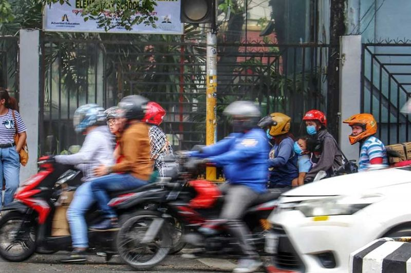 OUT OF COVERAGE AREA. A local motorcycle taxi group says its primary market does not have internet connection so it is not worried about the entry of Joyride. (SunStar photo/Amper Campaña)