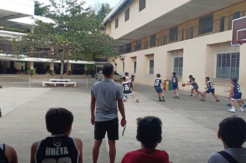 CAGAYAN DE ORO. Scrimmage for Corpus Christi's elementary basketball team in preparation for the Cagayan de Oro DepEd LGU hoopfest. (Lynde Salgados)