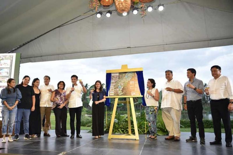 DAVAO. Damosa Land Inc. (DLI) first vice president Ricardo Lagdameo offers a toast during the unveiling of Agriya's masterplan during it launching, Thursday, February 13, 2020. (Photo from Ricardo Lagdameo's Facebook page)