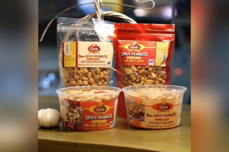 Lindz Peanuts come in spicy and non-spicy flavors and can be bought in tubs or pouches. (Photo from Lindz's Facebook)