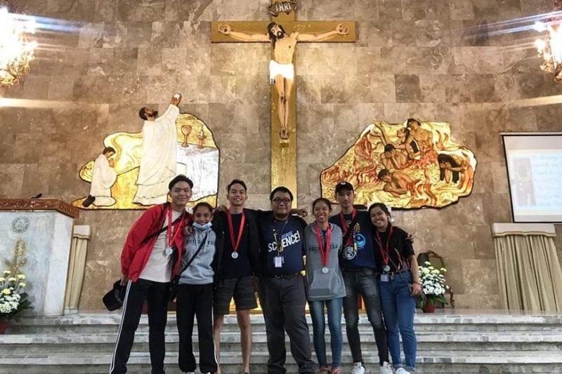 BACOLOD. Otero, Granada, Ambagan, Herbolario, Abalayan, Garcia, and Bagaforo after a thanksgiving mass at the San Nicholas de Tolentino Parish Church in Quezon City, February 2. (Teresa D. Ellera)