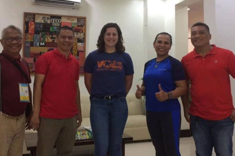 CAGAYAN DE ORO. Former American elite swimmer Brianna Leverenz during her courtesy call at the office of Cagayan de Oro City Mayor Oscar Moreno. Flanking her are basketball referee Sysin Moon, city sports consultant Rocky Calingin, Jessica Esparago and Kokong Quiblat. (Contributed photo)