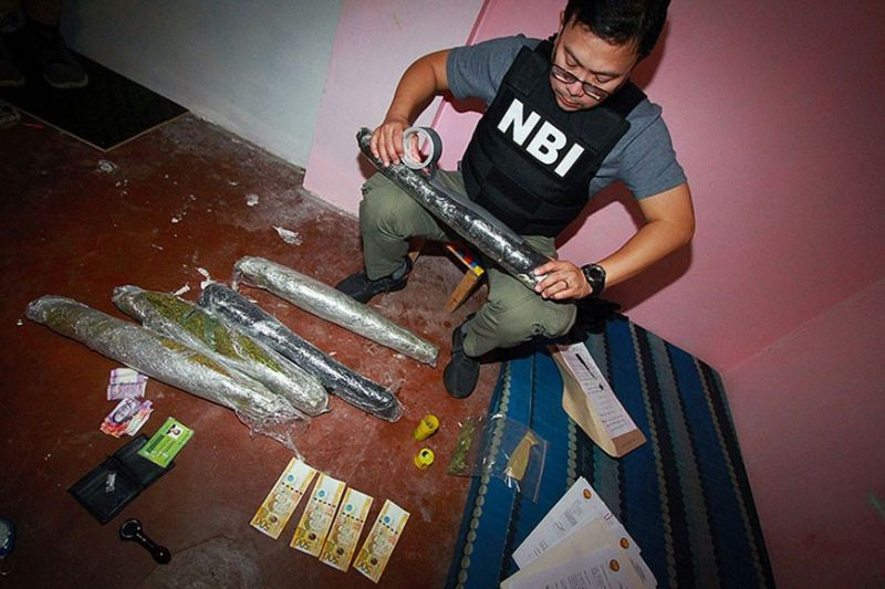 "BAGUIO. NBI-Mimaropa in coordination with NBI-Baguio seize some five kilos marijuana worth P100,000 and a sachet of suspected ""shabu"" (methamphetamine hydrochloride) while the three suspects were arrested during the raid Monday evening in Barangay Pinsao, Baguio City. (Photo by JJ Landingin)"