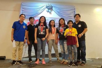 DAVAO. Ang High school/college division winners sa APM Open Students Chess Tournament nagpahulagway uban ang organizers atol sa awarding ceremonies sa Damosa Market Basket sa Lanang, Davao City. (Ely Acas Facebook)