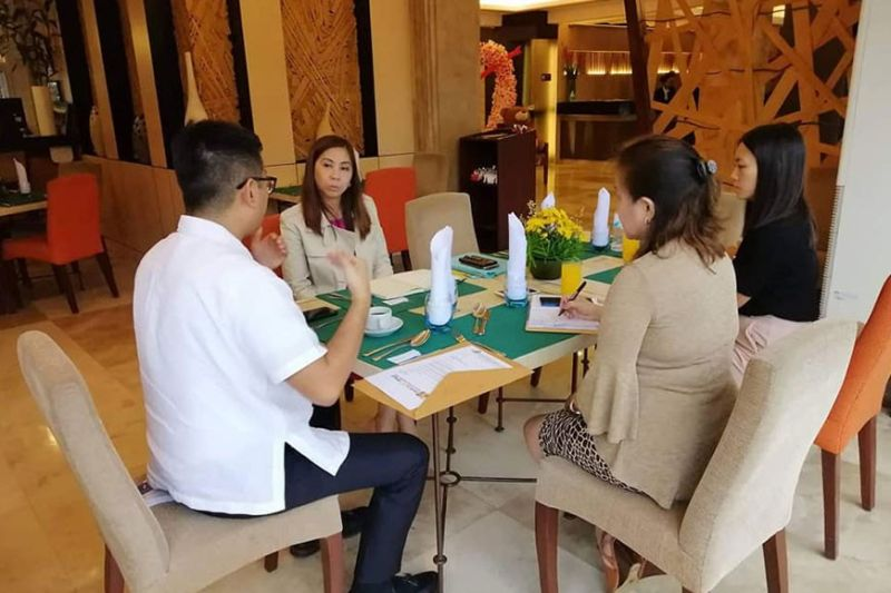 In this file photo, Cebu City Tourism Commission chairman Jocelyn G. Pesquera (center) had a meeting with HRRAC president Carlo Anton Suarez to discuss current tourism issues and concerns as well as how they can work together in boosting the industry in the next few months. Meeting was held at Cebu Grand Hotel last February 6, 2020. (Photo courtesy of Cebu City Tourism Office)