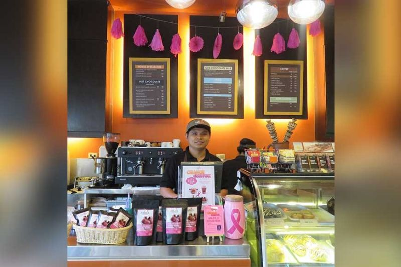 Tablea Chocolate supporting Pink October (Photo by Monica R. Lopez)
